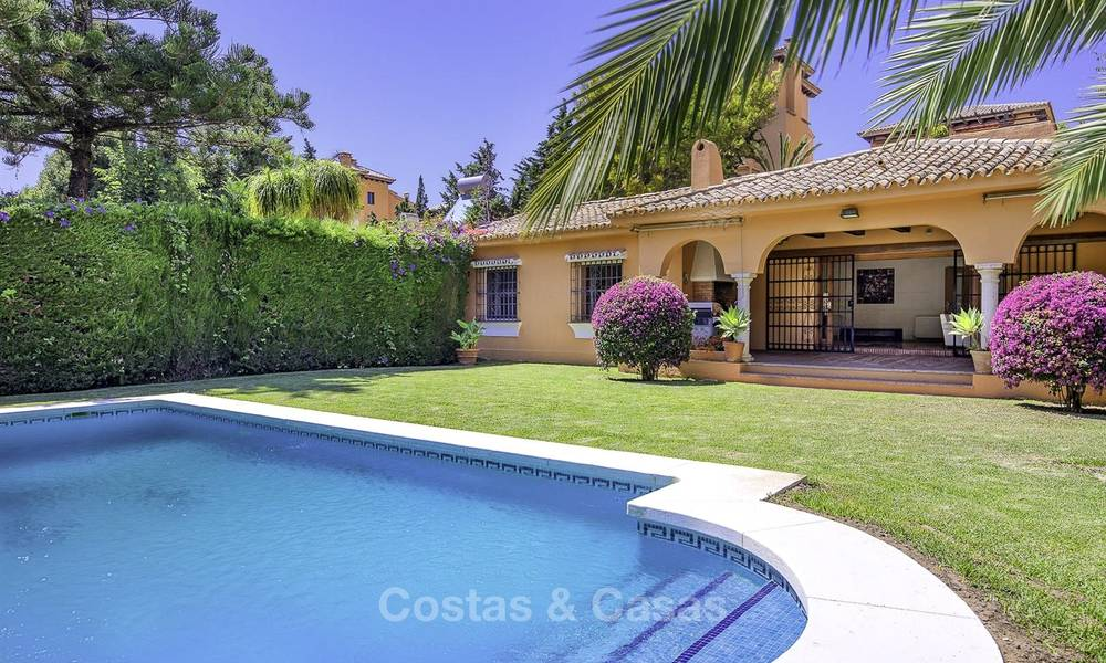 Cosy Mediterranean style villa for sale, walking distance to the beach, in a prestigious urbanisation, between Estepona and Marbella 14427