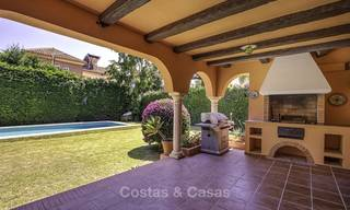 Cosy Mediterranean style villa for sale, walking distance to the beach, in a prestigious urbanisation, between Estepona and Marbella 14437