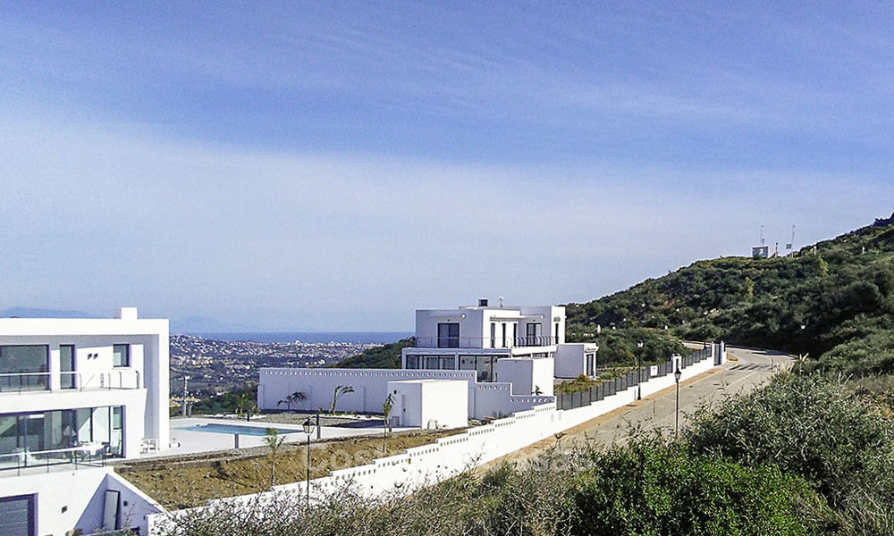 Gorgeous new modern-contemporary luxury villa with sea views for sale in a classy golf resort, Mijas, Costa del Sol 16349