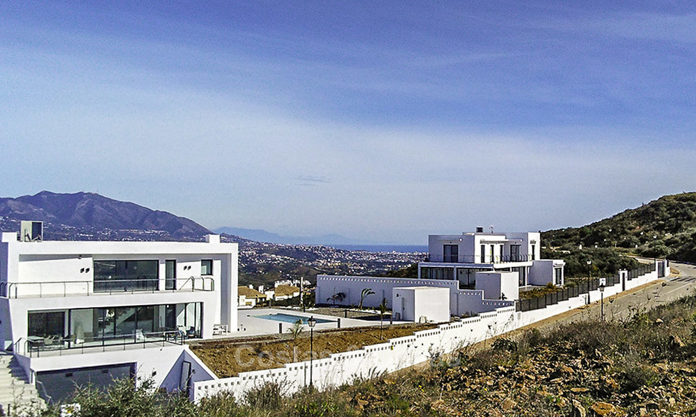 Gorgeous new modern-contemporary luxury villa with sea views for sale in a classy golf resort, Mijas, Costa del Sol 16355
