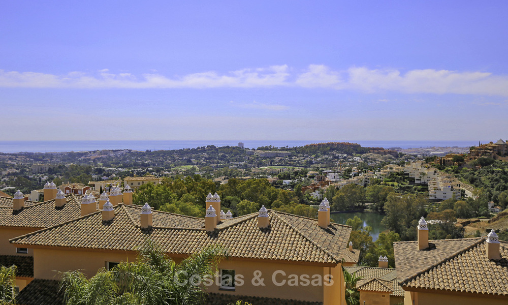 Spacious penthouse apartment with stunning sea views for sale in luxury complex in the Golf Valley, Nueva Andalucia, Marbella 17456