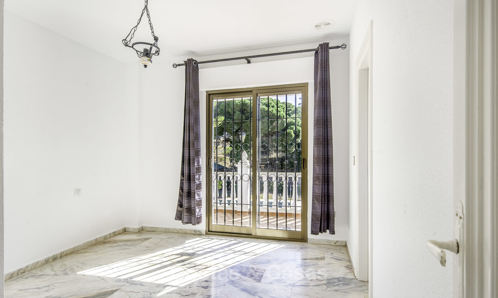 Spacious classical villa with excellent potential for sale in a quiet area of Elviria in East Marbella 15181