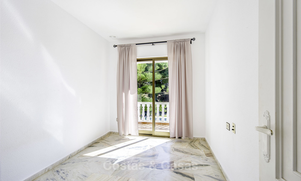 Spacious classical villa with excellent potential for sale in a quiet area of Elviria in East Marbella 15183