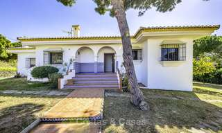 Spacious classical villa with excellent potential for sale in a quiet area of Elviria in East Marbella 15190
