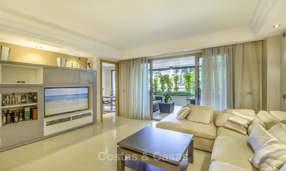 Very spacious modern luxury apartment for sale in a prestigious urbanisation on the Golden Mile, Marbella 15256