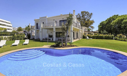 Beach side modern-Mediterranean luxury villa for sale, move-in ready, Guadalmina Baja, Marbella 15498