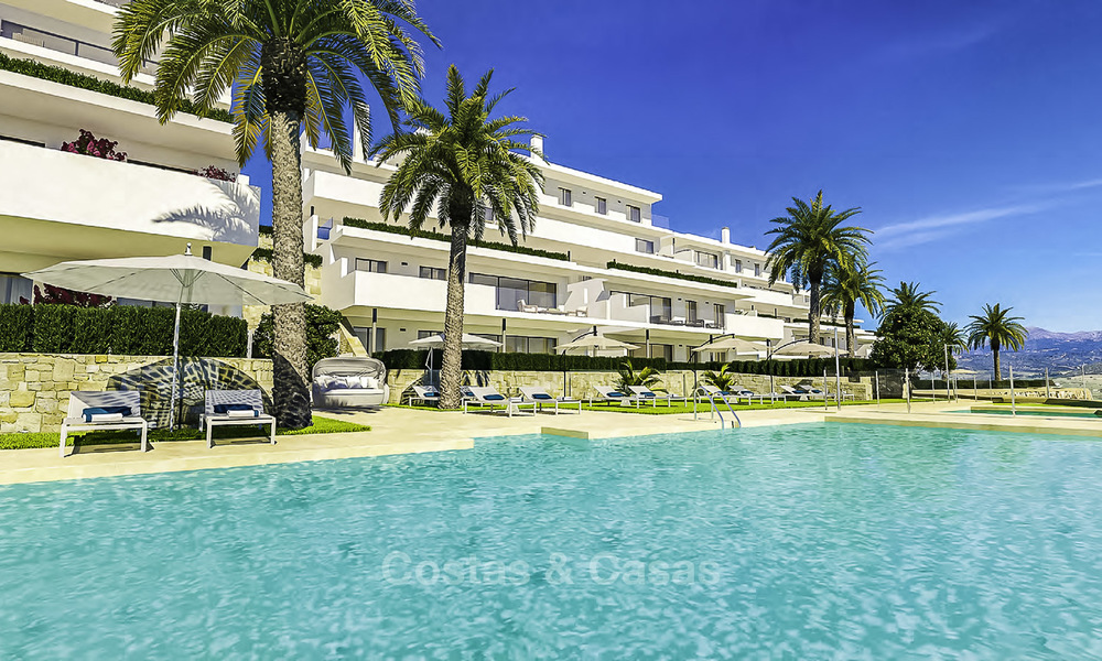 Stylish new contemporary apartments with sea views for sale in one of the best golf resorts around, Casares, Costa del Sol 16705