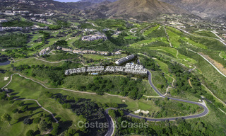 New, move-in ready, modern townhouses for sale on an acclaimed golf resort in Mijas, Costa del Sol. 10% discount! 15647