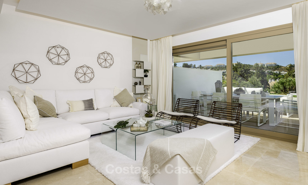 New, move-in ready, modern townhouses for sale on an acclaimed golf resort in Mijas, Costa del Sol. 10% discount! 15656