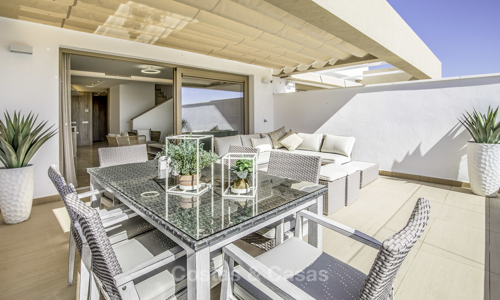 New, move-in ready, modern townhouses for sale on an acclaimed golf resort in Mijas, Costa del Sol. 10% discount! 15671