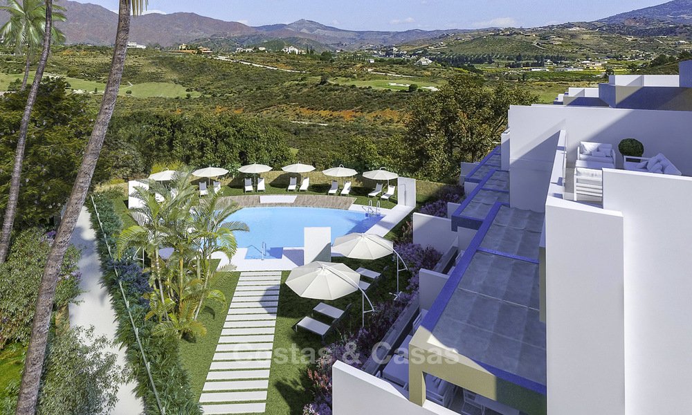 New, move-in ready, modern townhouses for sale on an acclaimed golf resort in Mijas, Costa del Sol. 10% discount! 15681