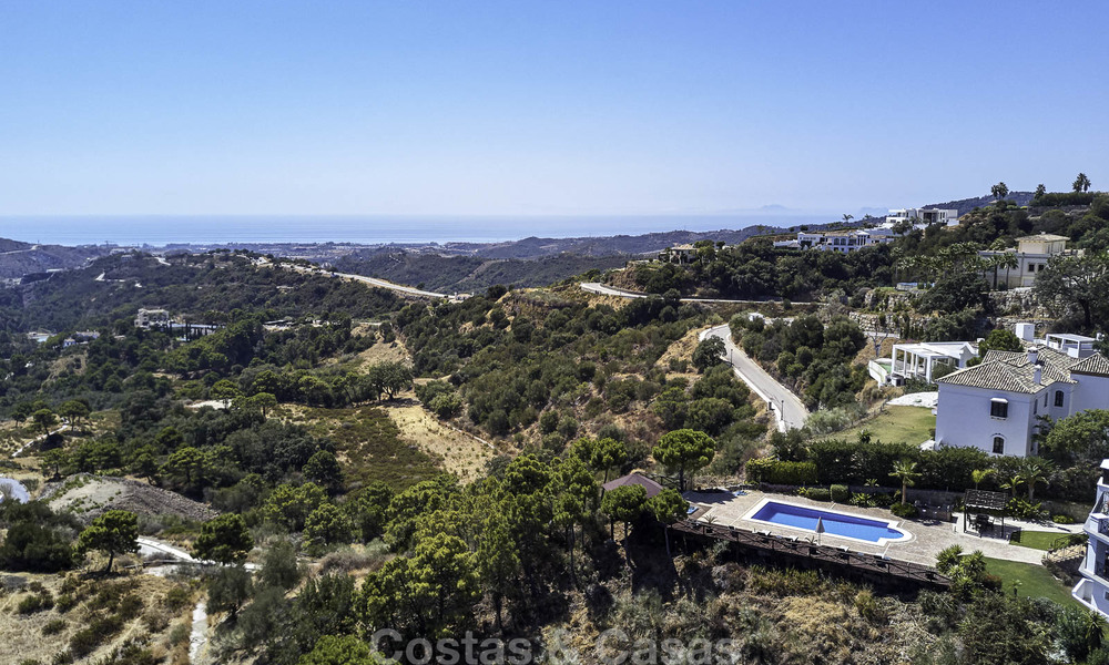 Charming rustic-modern luxury villa for sale with fantastic views in a gorgeous country estate, Benahavis - Marbella 16092