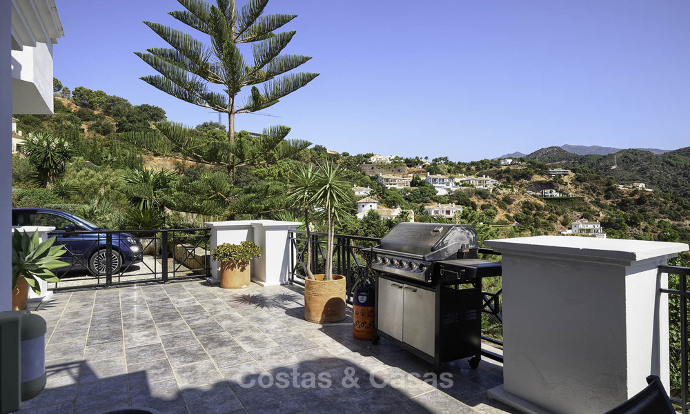 Charming rustic-modern luxury villa for sale with fantastic views in a gorgeous country estate, Benahavis - Marbella 16102