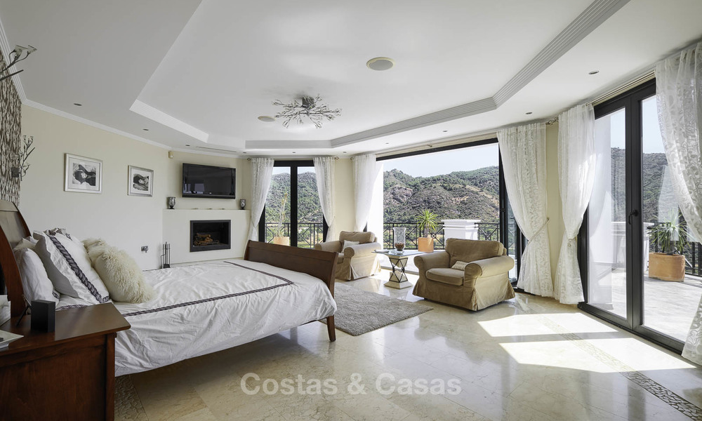 Charming rustic-modern luxury villa for sale with fantastic views in a gorgeous country estate, Benahavis - Marbella 16113
