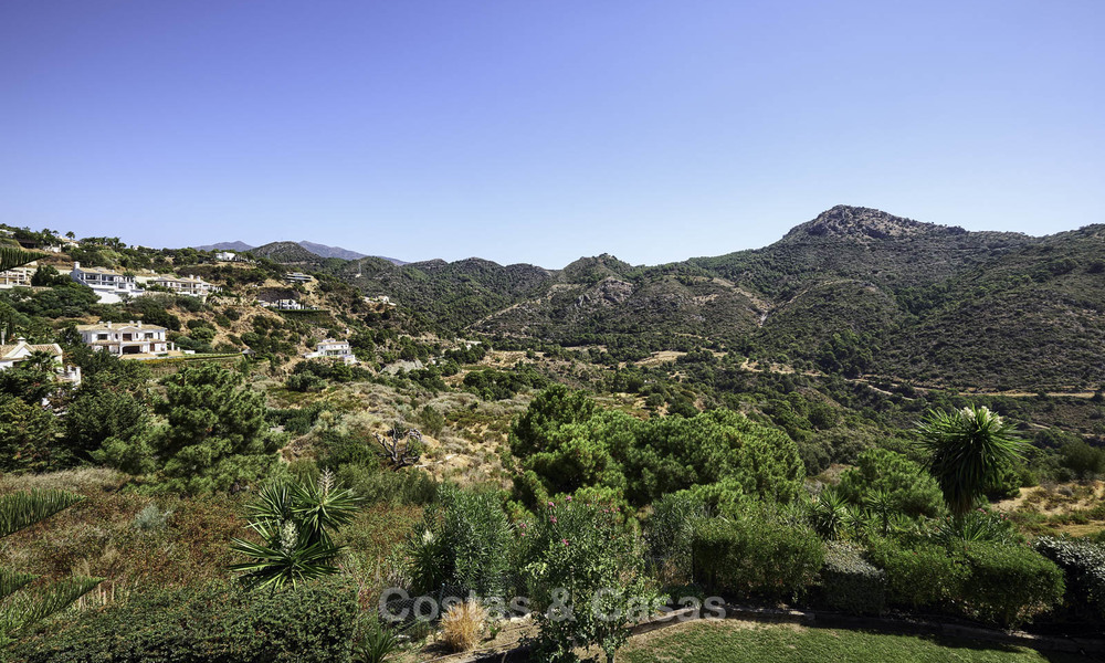 Charming rustic-modern luxury villa for sale with fantastic views in a gorgeous country estate, Benahavis - Marbella 16125