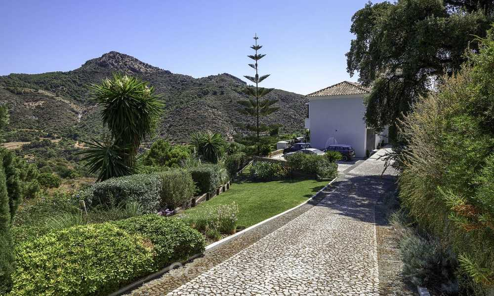 Charming rustic-modern luxury villa for sale with fantastic views in a gorgeous country estate, Benahavis - Marbella 16137