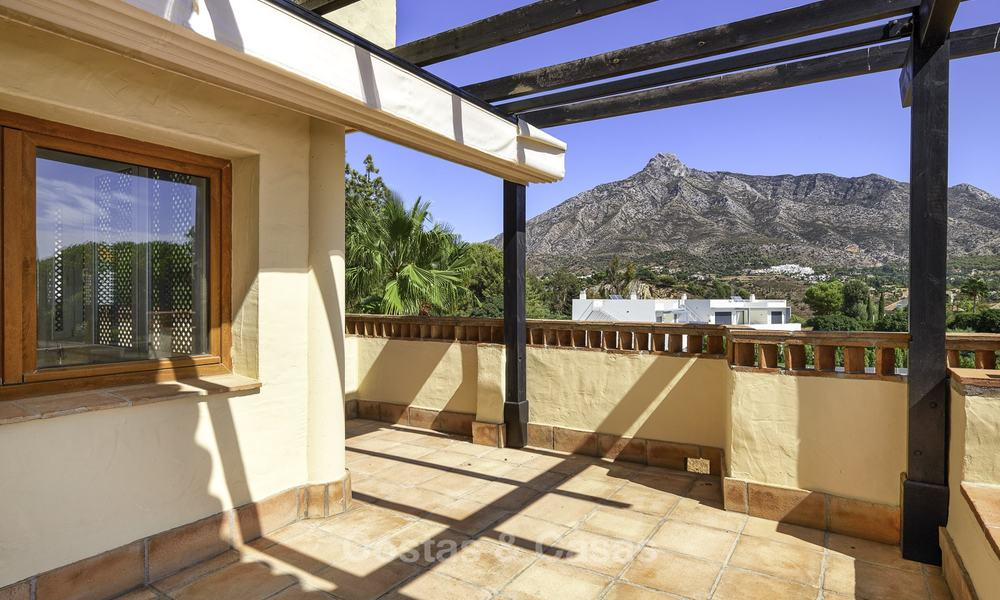 Rare, very spacious 5-bed penthouse apartmentwith sea and mountain views for sale on the Golden Mile in Marbella 16556