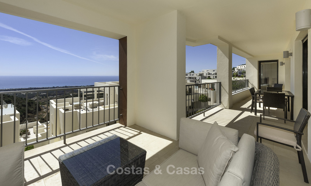 Move-in ready modern 3-bed apartment with spectacular sea and mountain views for sale in Marbella 16849