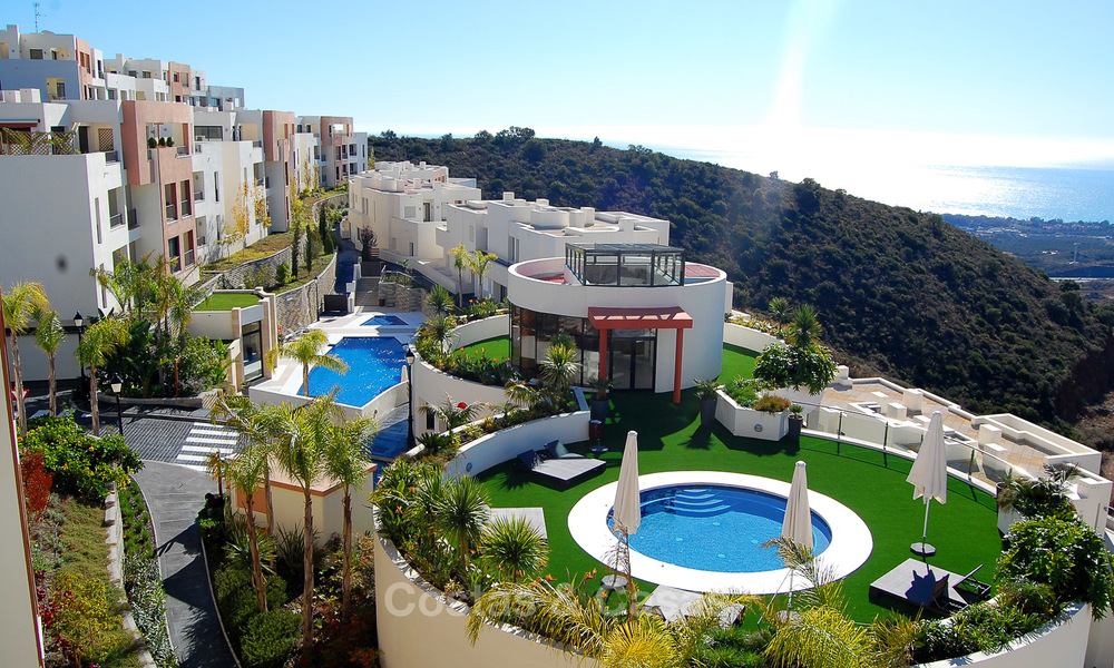 Modern move-in-ready 3-bed luxury apartment with sea and mountain views for sale in Marbella 16896