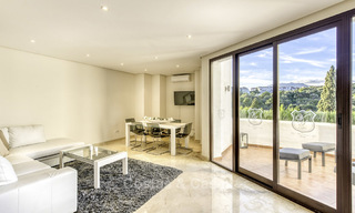 Modern-mediterranean luxury villa with guest quarters for sale, with sea views on the Golden Mile, Marbella 17024