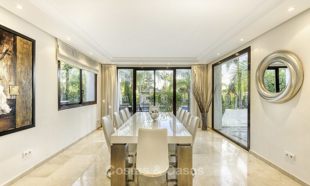 Modern-mediterranean luxury villa with guest quarters for sale, with sea views on the Golden Mile, Marbella 17029
