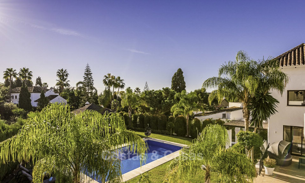 Modern-mediterranean luxury villa with guest quarters for sale, with sea views on the Golden Mile, Marbella 17031