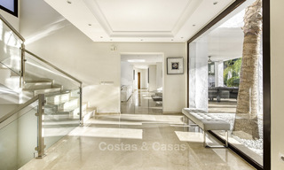Modern-mediterranean luxury villa with guest quarters for sale, with sea views on the Golden Mile, Marbella 17033