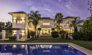 Modern-mediterranean luxury villa with guest quarters for sale, with sea views on the Golden Mile, Marbella 17040