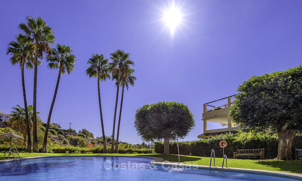 Cosy garden apartment for sale adjacent to a prestigious golf resort in Benahavis - Marbella 17084