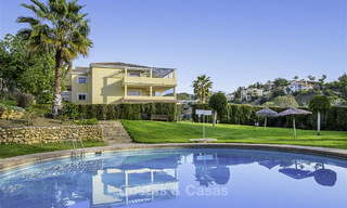 Attractive 3-bed penthouse apartment with spacious terraces and panoramic views for sale, Benahavis - Marbella 17575
