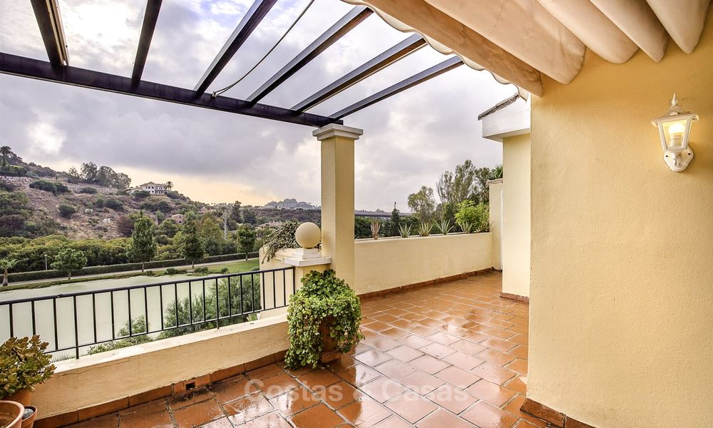 Attractive 3-bed penthouse apartment with spacious terraces and panoramic views for sale, Benahavis - Marbella 17583