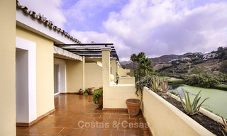 Attractive 3-bed penthouse apartment with spacious terraces and panoramic views for sale, Benahavis - Marbella 17585