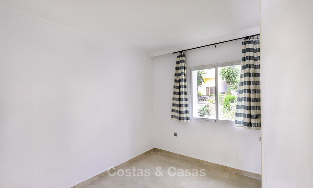 Attractive 3-bed penthouse apartment with spacious terraces and panoramic views for sale, Benahavis - Marbella 17591