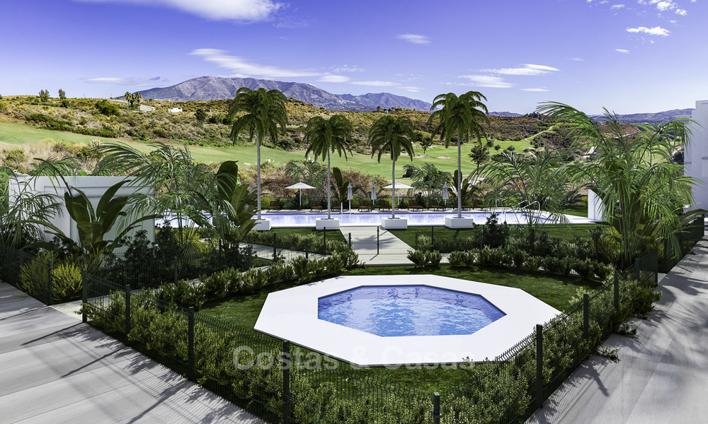Spacious new built contemporary townhouses for sale, in a championship golf resort in Mijas 17771