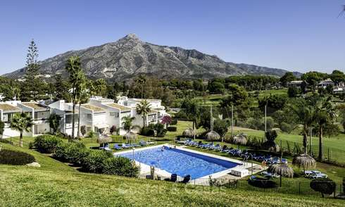 Apartments for sale, with spectacular views, frontline Aloha Golf, in Nueva Andalucia - Marbella 17941