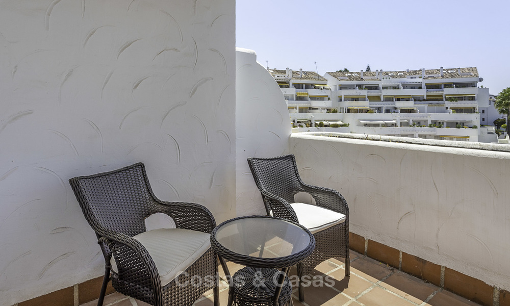 Bright and spacious apartment for sale, walking distance to Puerto Banus, amenities and beach in Nueva Andalucia, Marbella 17973