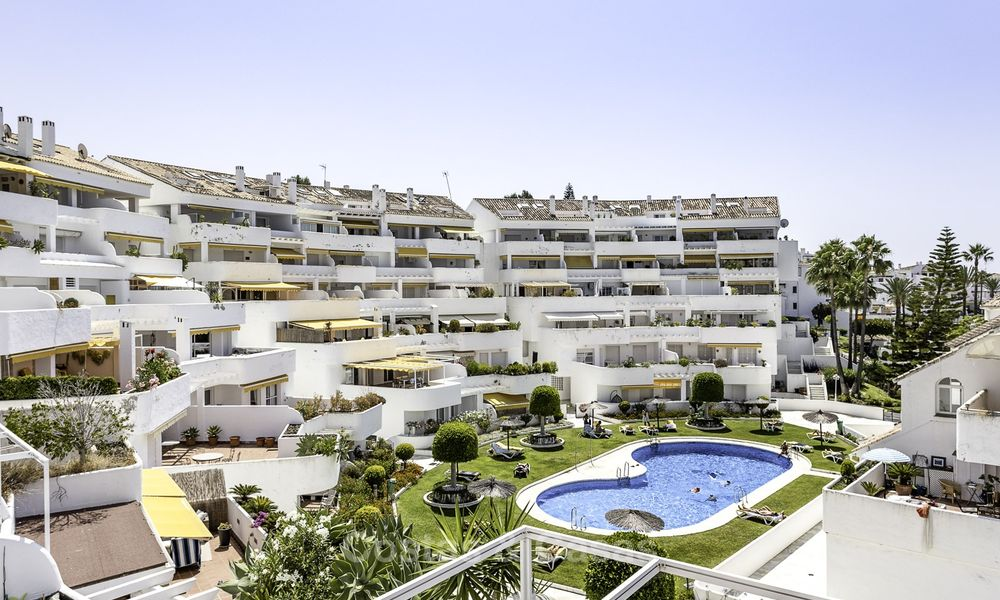 Bright and spacious apartment for sale, walking distance to Puerto Banus, amenities and beach in Nueva Andalucia, Marbella 17977