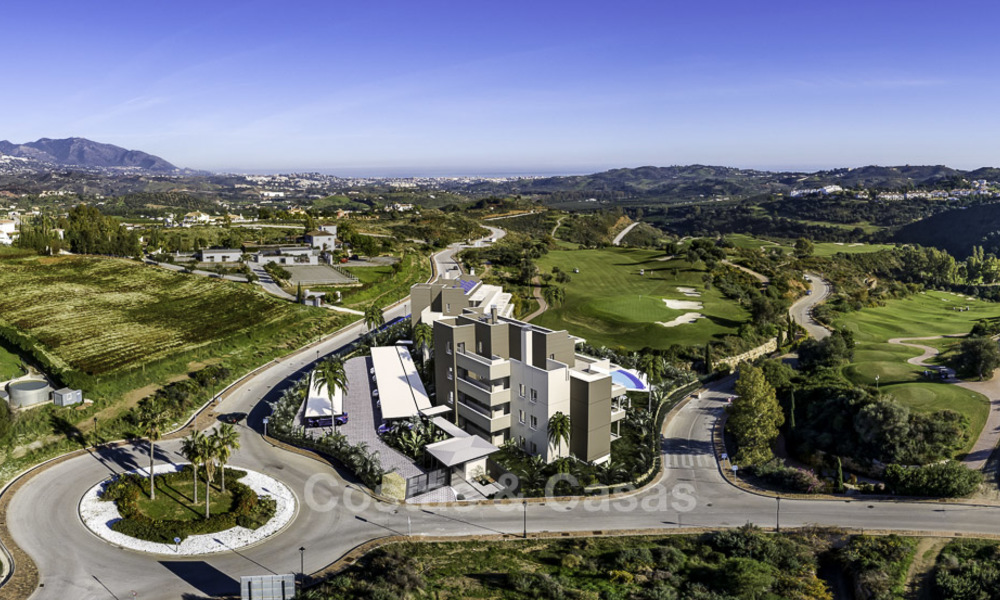 New modern apartments in a superb golf resort for sale, amazing views included! Mijas, Costa del Sol 18100