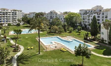 Great beachside apartment for sale right in the heart of Puerto Banus, Marbella 18123