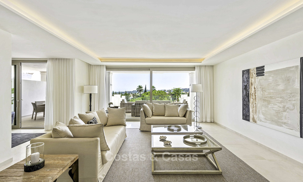 New luxury 4-bedroom apartment for sale in a stylish complex in Nueva Andalucia in Marbella. 18423