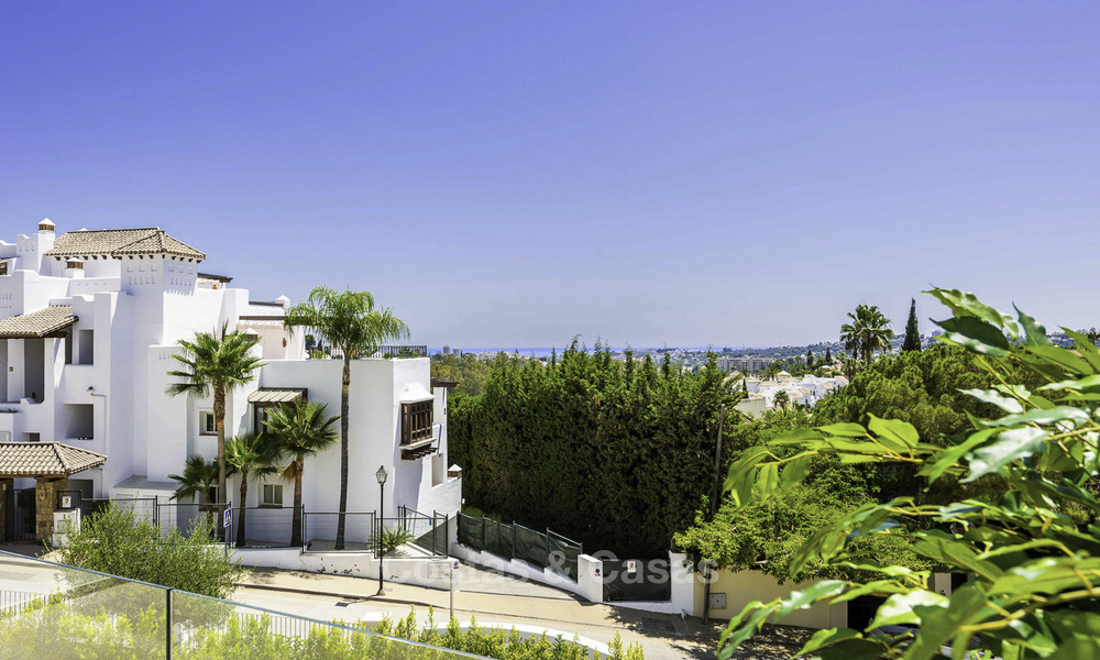 New luxury 4-bedroom apartment for sale in a stylish complex in Nueva Andalucia in Marbella. 18429