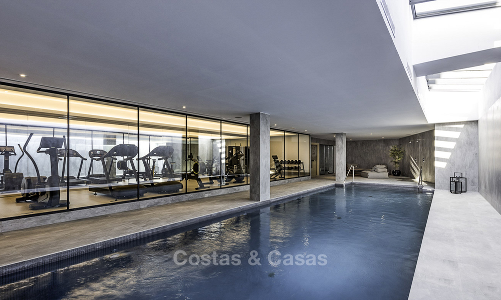 New luxury 4-bedroom apartment for sale in a stylish complex in Nueva Andalucia in Marbella. 18436