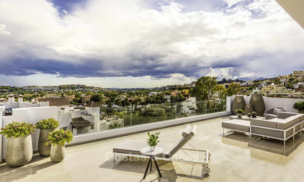 Contemporary spacious luxury penthouse for sale in an exclusive complex in Nueva Andalucia - Marbella 18481