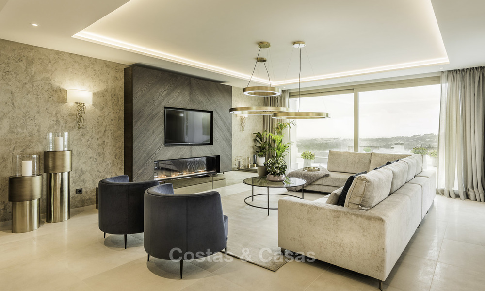 Contemporary spacious luxury penthouse for sale in an exclusive complex in Nueva Andalucia - Marbella 18488