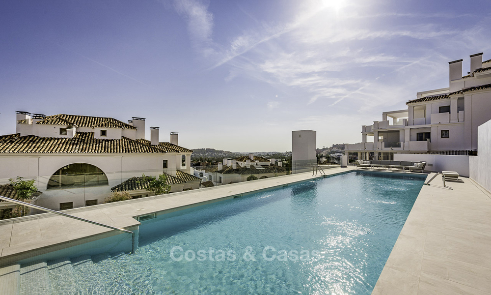 Contemporary spacious luxury penthouse for sale in an exclusive complex in Nueva Andalucia - Marbella 18499