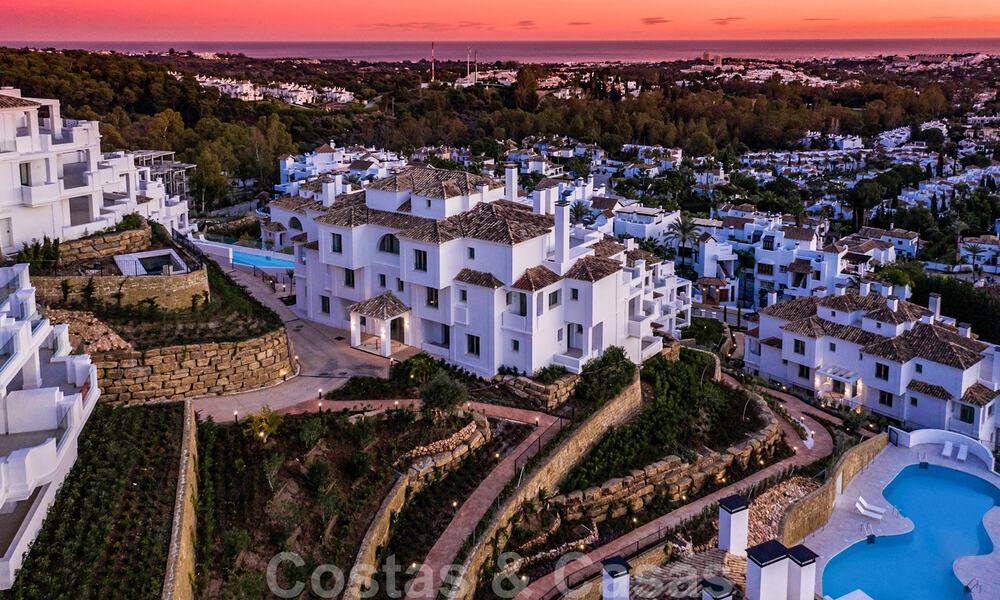 Contemporary spacious luxury penthouse for sale in an exclusive complex in Nueva Andalucia - Marbella 31999