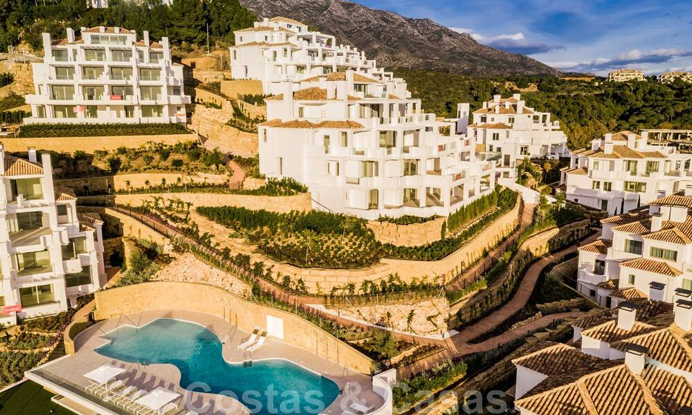 Contemporary spacious luxury penthouse for sale in an exclusive complex in Nueva Andalucia - Marbella 32000