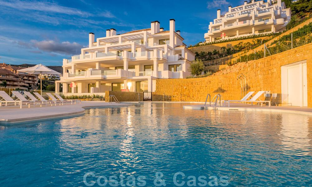 Contemporary spacious luxury penthouse for sale in an exclusive complex in Nueva Andalucia - Marbella 32005