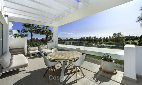 Modern penthouse apartment for sale, frontline golf, in Benahavis - Marbella 18554