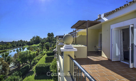 Stylish and bright, recently refurbished penthouse apartment for sale, frontline golf, Benahavis - Marbella 18677